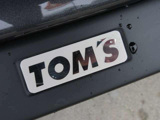 トヨタの誇るスポーツブランド♪ 「TOM'S」 レーシングメーカーとしても人気のメーカーになります♪