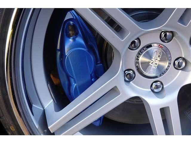 対抗4POTのあけぼのブレーキキャリパーをブルー塗装しております!!