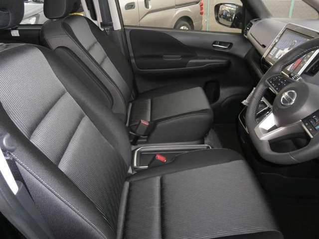 運転席の画像です。