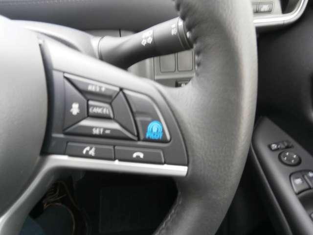 """プロパイロット""""搭載車! ◎自動車専用道路や高速道路をドライブ中、負担に感じる運転操作《アクセル・ブレーキ・ハンドル操作/車間距離》をクルマがコントロール。ドライバーの負担を軽減します。"""