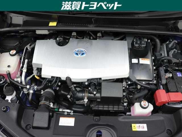 エンジンル-ムも綺麗に洗浄しております。ご納車時にはハイブリッドシステムに精通したメカニックがしっかり整備を行なった上でご納車致します。