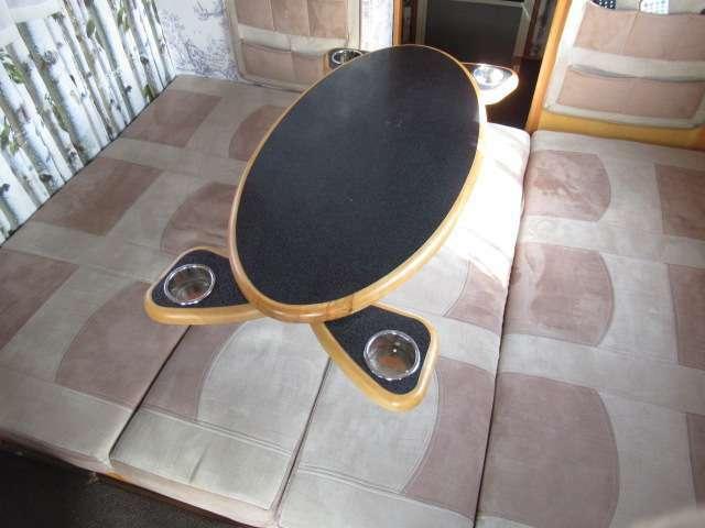 テーブルそのままにダイネットをベット展開可能♪縦180cm横130cm