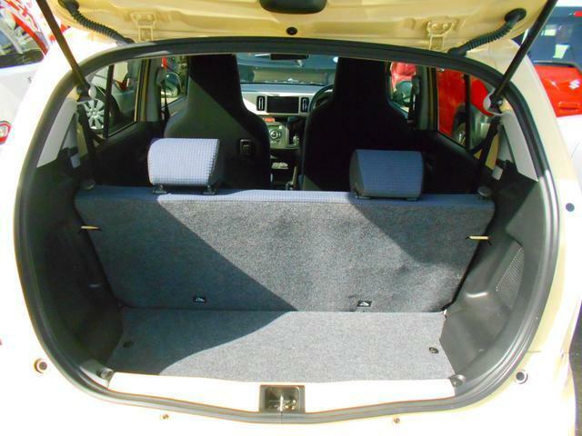 ボディコート『ガラスコーティングNE'X』取り扱いしております。車種によりお値段が異なります。お車の状態によってはキズや色ムラが残る場合があります。詳しくは担当スタッフにお尋ねください。