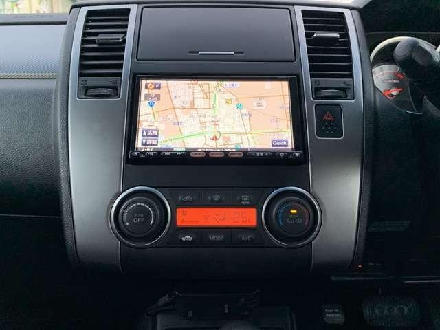 ティーダのくせにナビなんて付いてます! 純正HDDナビ/HS309-A、ワンセグテレビ、バックカメラ、CD録音再生、ETC車載器、スマートKEYなど! 生意気な車ほどかわいくなるって、言うじゃなーい!