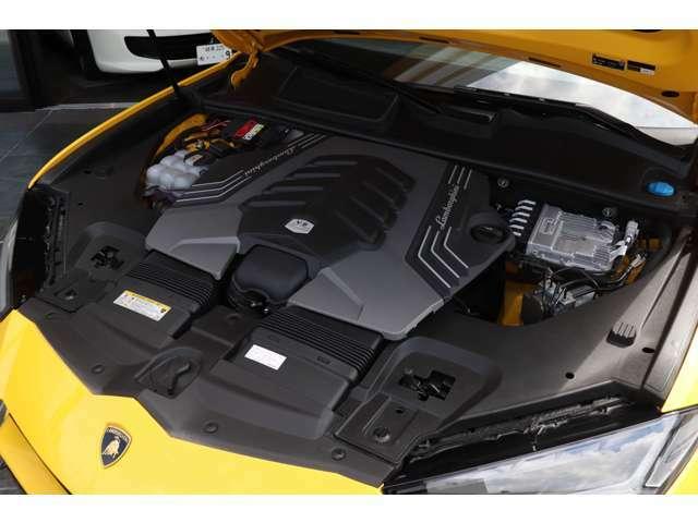 4000cc V8ツインターボ
