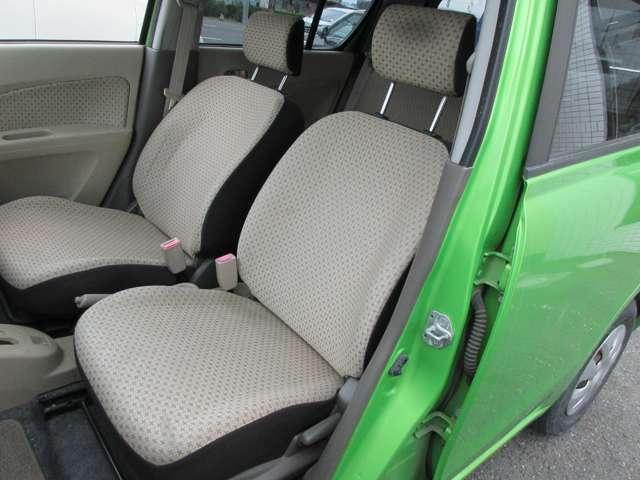 運転席同様に使用感とても少なくキレイです!