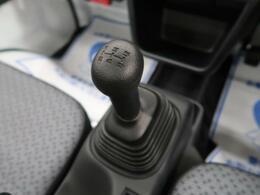 珍しい!5速マニュアルシフト!!遊び心をくすぐるお車です☆思う存分走る楽しみをお楽しみください♪