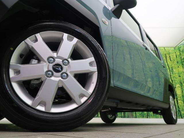 純正15インチアルミホイール!専用のアルミなので、お車のイメージに合っていますね!また、社外のアルミや、スタッドレスタイヤも絶賛販売中☆ドレスアップもカスタマイズもお任せください!