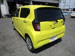 ミライースの左リヤビュー UV&プライバシーガラスで、車内の紫外線&プライバシーをシャットアウト