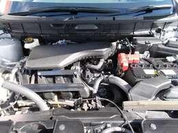 ご納車の前サービス工場で車検点検整備(法定24ヶ月点検)を行い、エンジンオイル・オイルフィルター・ワイパーゴムなど交換いたします。