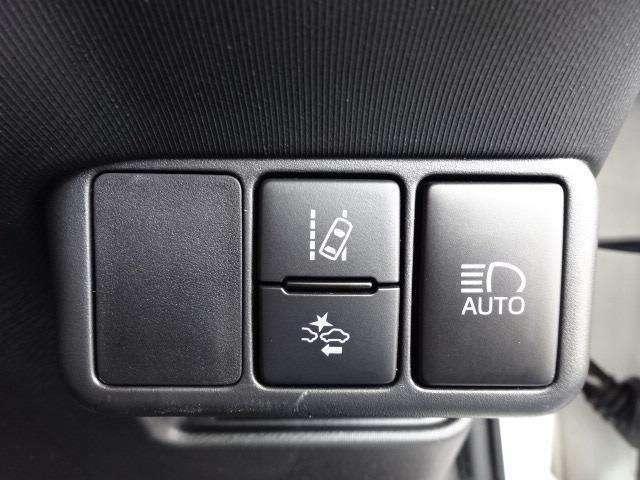 トヨタセーフティセンスCをはじめとする、先進の安全装備を搭載!※ドライバーの判断を補助し、事故被害の軽減を目的としていますので、装置を過信せず安全運転を心掛けましょう!