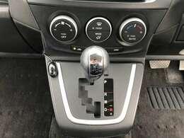 オートエアコン装備!MT操作機能装備!通常のATとしても使用でき、MT操作でアップダウン出来ます!6速ATなので燃費もいいです!