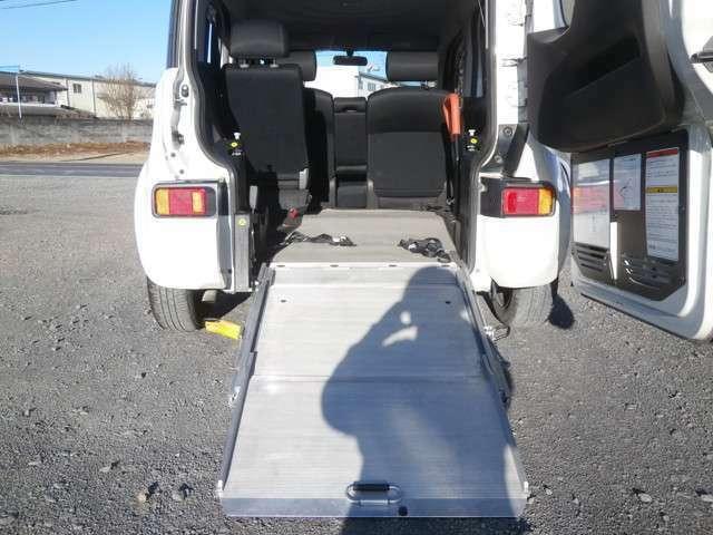 スロープタイプですので車いすが簡単に乗車可能です♪