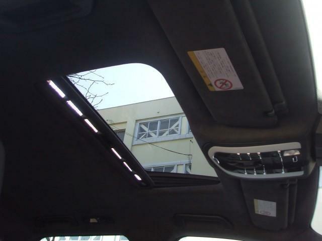 《全車安心保証の藤栄自動車》広大な敷地に併設しております自社整備工場にて徹底整備をしております。ご購入後のアフターサービスもおまかせください♪