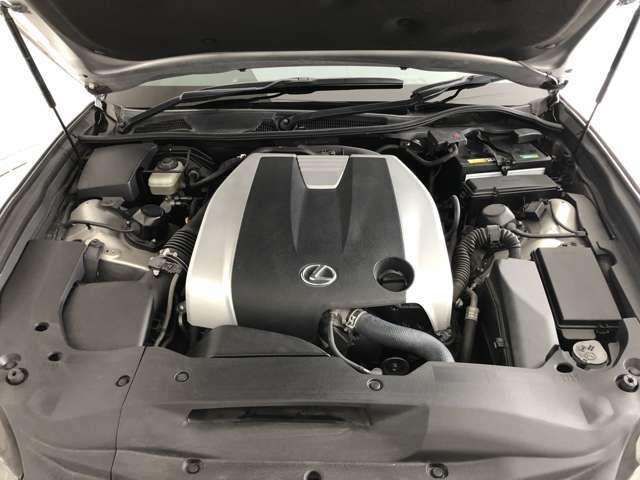 V型6気筒DOHCエンジン