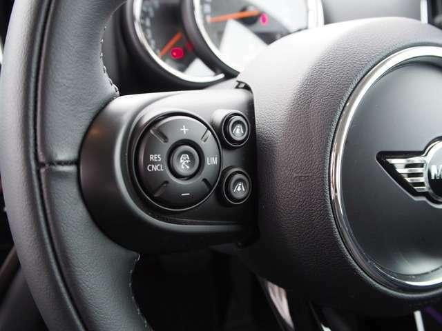 前車追従アクティブクルーズコントロール搭載。Stop&Go機能付き。