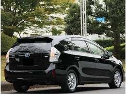 このグレードならではのブラック内装、メッキ加工のおしゃれな特別仕様車です♪