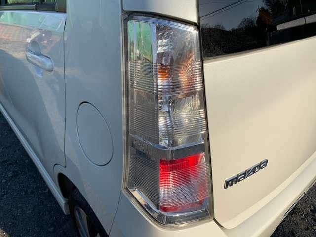 ライト回りも納車前に綺麗に磨き上げます♪