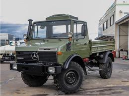メルセデス・ベンツ ウニモグ U1450 4WD 平ボディ H/L 8MT ディーゼルターボエンジン ディーラー車