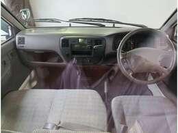走行距離24098km 18年 DX 2WD 1800cc 乗員人数3人 AC 保証書 取扱説明書 外装色シロ タイヤ溝あり 車検整備付き 総合評価5点中4点 皆様は荷台に何を積みますか??