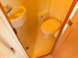 ガス温水ボイラー マリントイレ 温水シャワー 洗面台