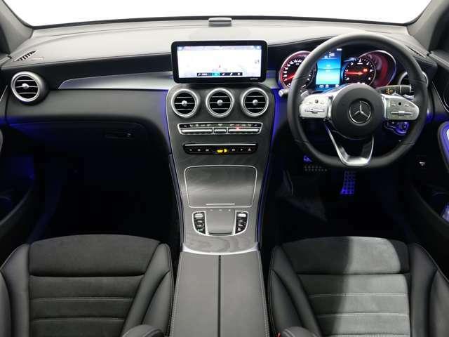 メルセデスの認定中古車『サーティファイドカー』は、日本全国に張り巡らされたメルセデス・ベンツ正規サービスネットワークのサポートを受けることができます。