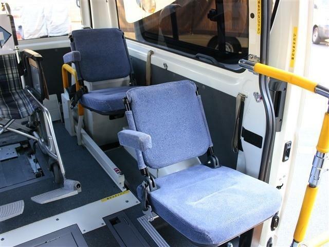 補助席も2席ございます!!