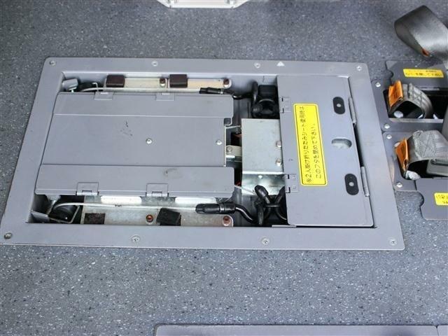 固定装置は電動で操作が簡単です!