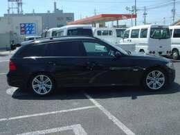 当店は,名古屋西インターより車で10分、東名阪(名二環) 甚目寺南インター及び大治北インターより3分