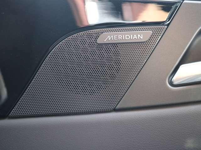 ドライブを上質なMERIDIANサウンドシステムでお楽しみください。