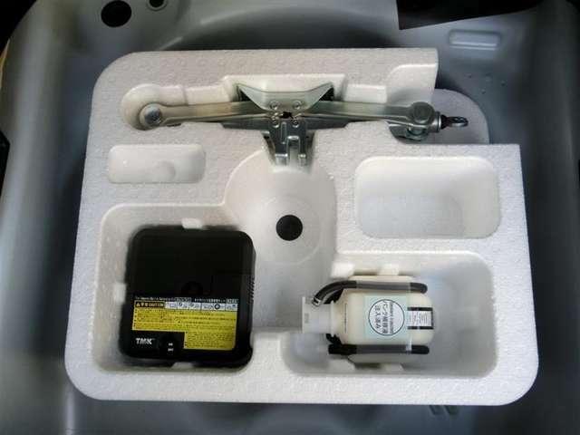 万が一の際に、タイヤパンク応急修理キット!