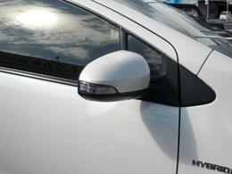 ドアロック連動格納機能付きウインカーミラー