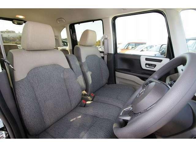 安全装備・横滑り防止や車線逸脱・衝突軽減ブレーキも搭載しています
