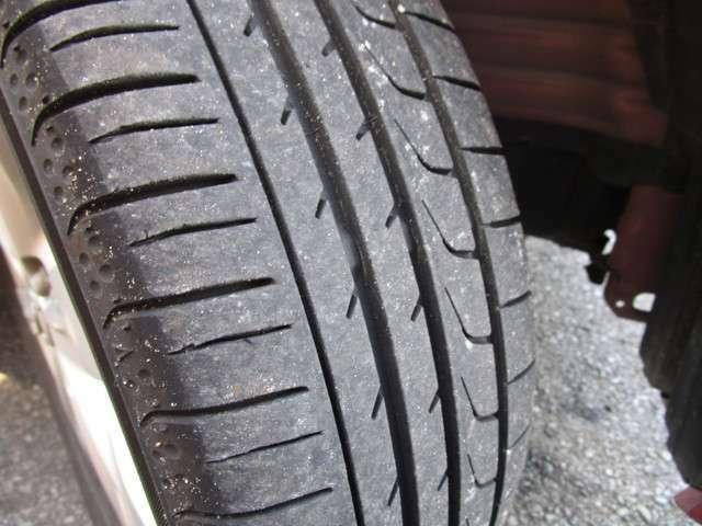 タイヤの溝はまだまだあり、すぐにでも走行できます。
