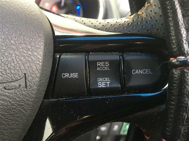 【クルーズコントロール】高速道路などでアクセルから足を離しても一定の速度をキープ♪アクセルを踏み続ける必要がないので、ストレスなく長時間走行が出来ます!
