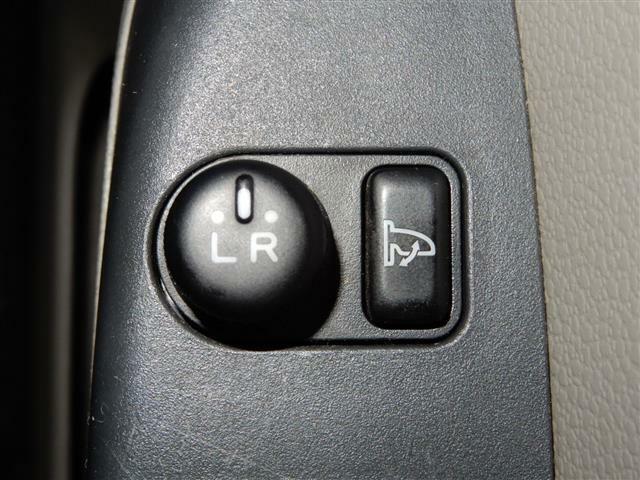 【電格ミラー】サイドミラーの角度を電動で調節できます!便利ですヨ!!