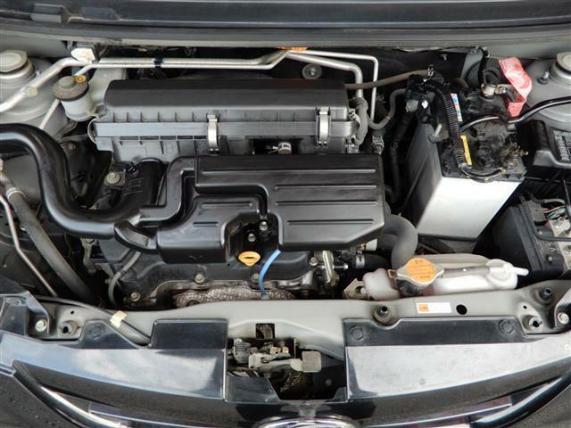 【エンジンルーム】よく手入れされていて艶やかなエンジン!次のオーナーさんを心待ちにしているようです!