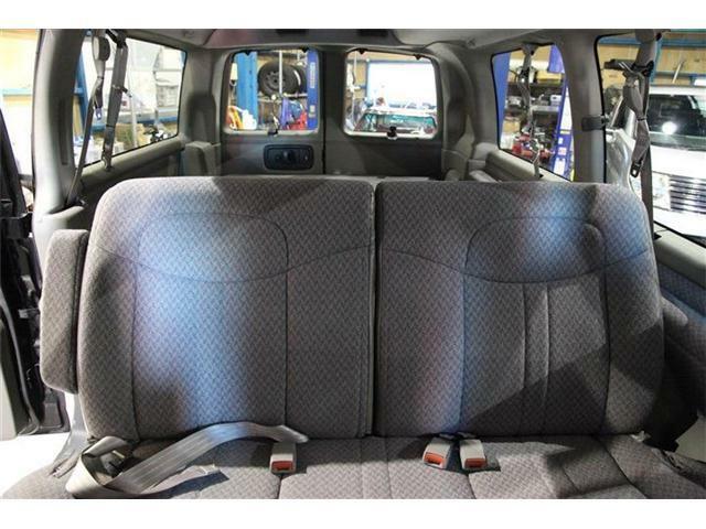 車内の気になるにおいだけでなく、室内、エアコン内部まで除菌のできるオゾン脱臭コースも御座います。