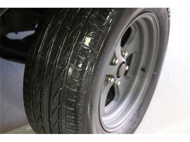 タイヤ、ホイール共に自社にてカスタム済み。ホイールにはパウダーコート塗装も施しております。
