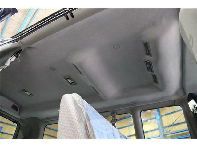 天井はフロントリアともに張替え済みです。