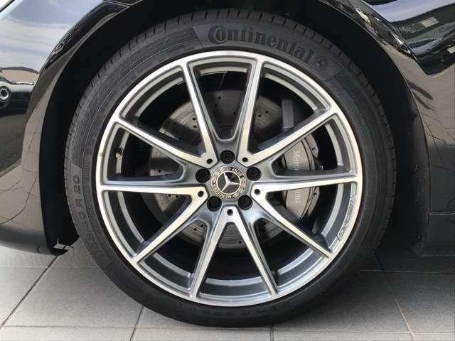 メルセデス・ベンツ車は、妥協を許さない技術と品質をもって製造されており、いつもでも変わらぬ価値を提供いたしております。