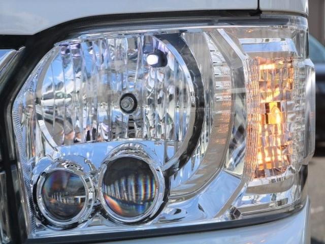 メーカーオプションでLEDヘッドライトが付いています!