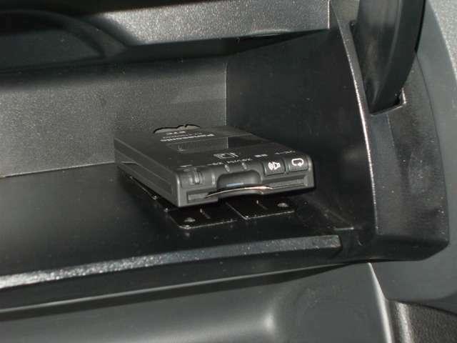 【ETC】今や必需品のETC!高速道路料金所で小銭の出し入れをする必要もなくスムーズに!ETC搭載車両しか通過できないスマートICも利用できます。