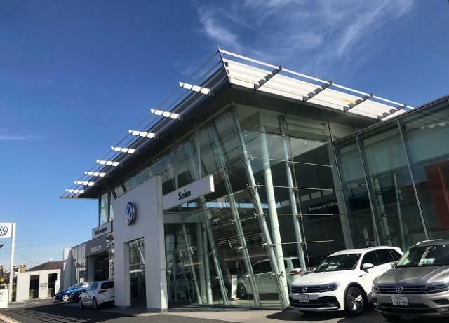 Volkswagen草加 店舗 外観です。 国道4号線沿いの上り車線側です。