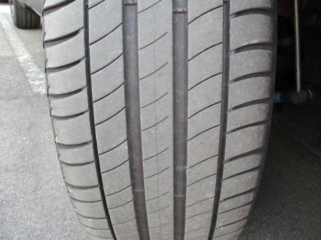 フロントタイヤ溝6mm