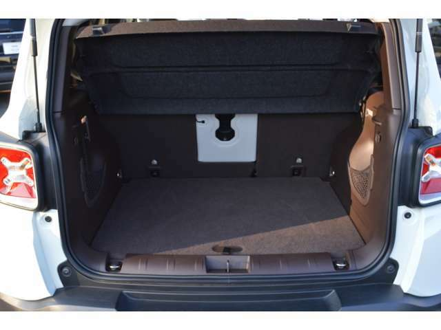 ・荷物スペースはコンパクトカー最大レベル! ◆TEL:0120-398-955 担当:金蔵・阿部・北野・沼田・藤村◆