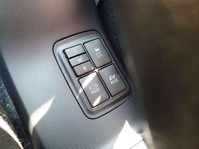 純正オプションのシートヒーター付き♪