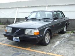ボルボ 240 クラシック 500台限定車 レザー・ウッド内装/アルミ