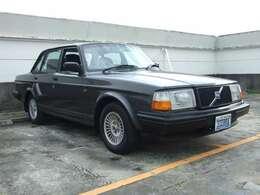 240最終モデルの特別仕様車240クラシックの限定モデルが、240クラシック リミテッドエディションです。