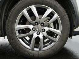 純正18インチアルミホイール付き!タイヤの溝もまだまだあります!